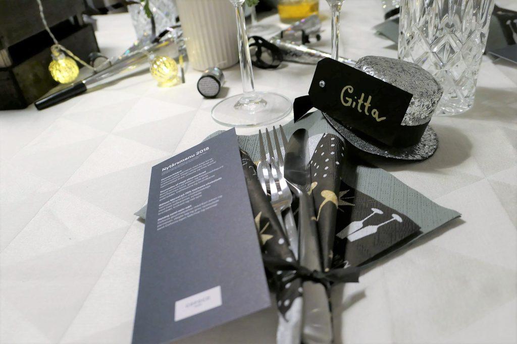 Borddækning_bordkort_sølv_tema